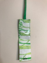green luggage tag2